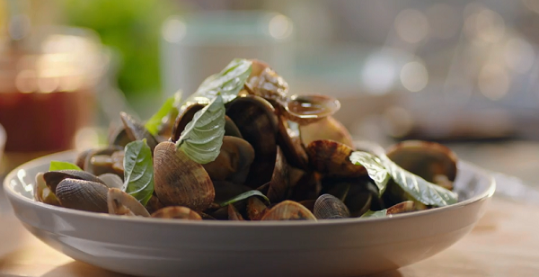Nigella Lawson steamed clams with Thai basil recipe on Simply Nigella ...