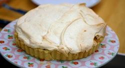 Will Young's Rhubarb and Ginger Meringue Pieon The Great Sport Relief Bake Off