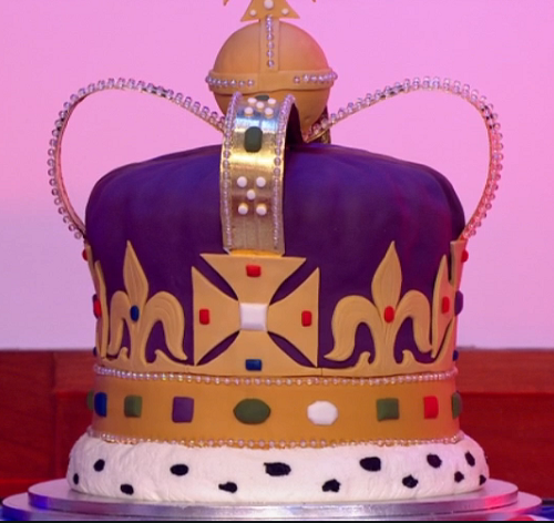 Loose Women Queen's 90th Birthday Celebration Cake
