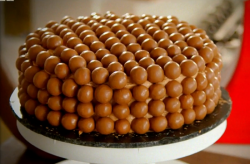 Lorraine Pascale's let them eat cake recipe with chocolate balls on Lorraine's Fast, ...
