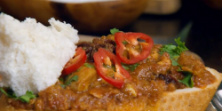 Julie Green's bunny chow chicken curry in a crusty bloomer made using Nisha Katona on The  ...