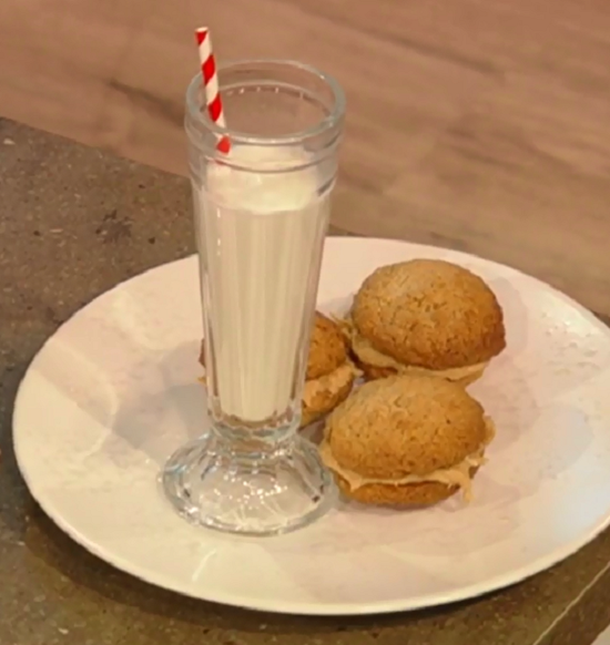 Martine McCutcheon and Donal Skehan's oatmeal Peanut butter  cookies for Comic Relief Red  ...