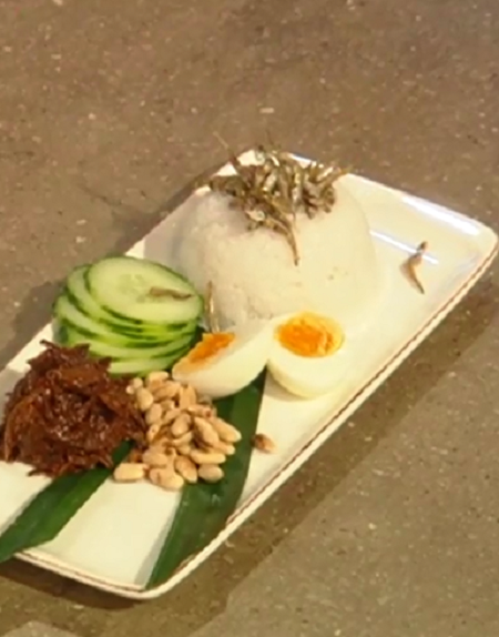 Matt Tebbutt 's Nasi lemak breakfast curry dish on Saturday Kitchen