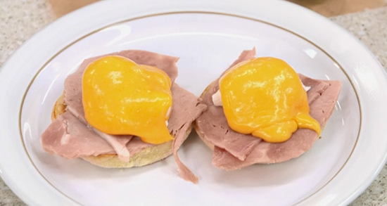 Kim Woodward's eggs benedict on Yes Chef