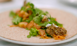 Chris's red kidney beans wrap on Eat Well for Less?