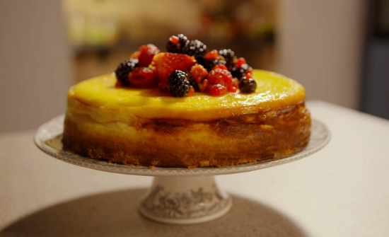 Simon Rimmer's American cheesecake with strawberries on Eat the Week with Iceland