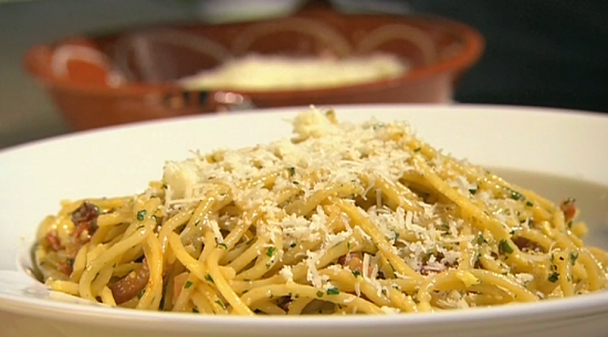 Rick Stein's spaghetti carbonara with ham, eggs and cheese on Saturday kitchen