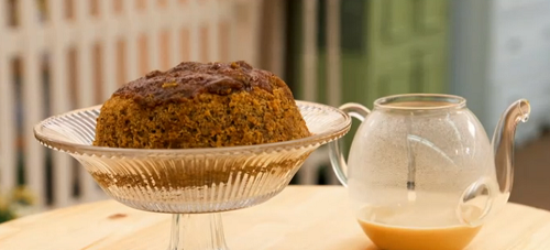 Kate's 'Mr. Darcy' steamy lake scene steamed school pudding on The Great Briti ...