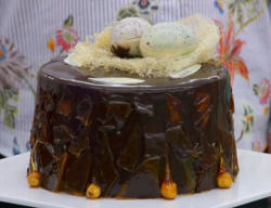 Sophie's bird's nest caramel cake on The Great British Bake Off 2017