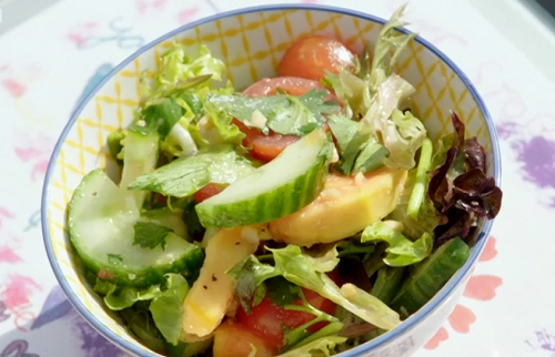 Gabrielle's papaya salad on Eat Well for Less?