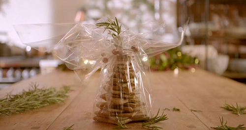 Jo Engleby's crackers Christmas tree gift  on The Hairy Bikers Home for Christmas