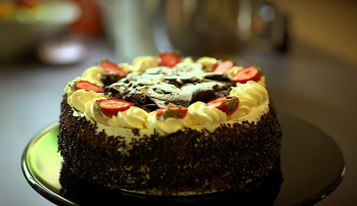 Lara Lewington's chocolate with cream and strawberries cake on Click