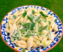 Tilly's carb-loading Pasta recipe on Matilda and the Ramsay Bunch