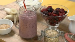 Linia Patel's breakfast smoothie with berries on Get A Holiday Body