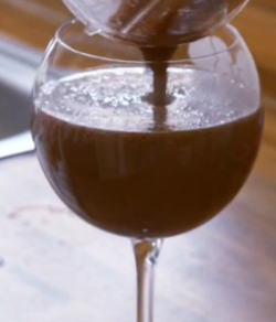 Linia and Zoe's chocolate and banana smoothie on Channel 5′s Get a Holiday Body