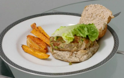 Jon Dye turkey burger with sweet potato chips on Eat well for Less?