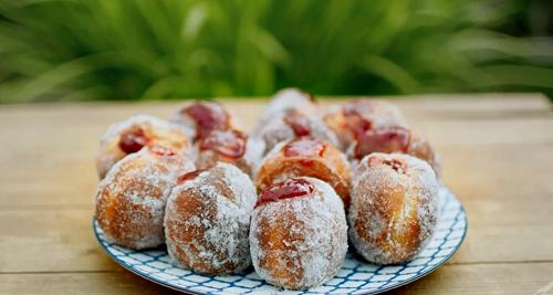 Nadiya Hussain jam doughnuts on Saturday Kitchen