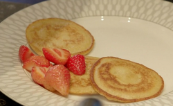 Alana and Robyn  Howell's American style pancakes on Eat Well for Less?