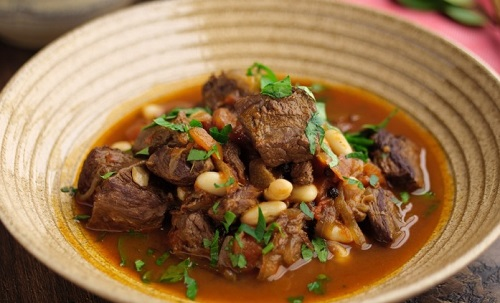 Simon Rimmer and Dermot O'Leary beef  and tomato stew with red wine, cinnamon  and vinegar ...