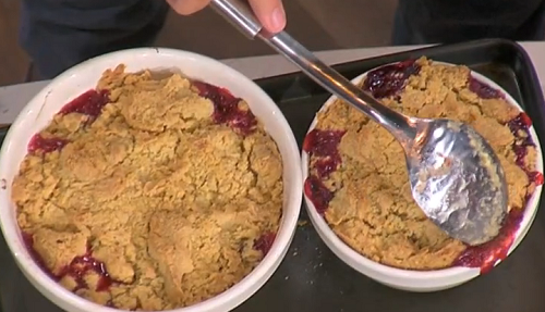 John Torode's blackberry and apple crumble with custard on This Morning