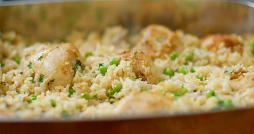 Nadiya Hussain chicken and rice bake with clarified butter, frozen peas and hot stock  on Nadiya ...