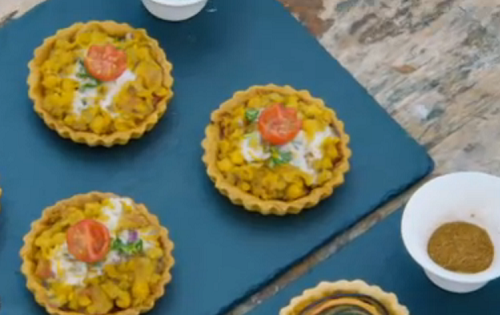 Rahul's Ghugni chat tarlets with vegan chickpea curry on the Great British Bake Off 2018