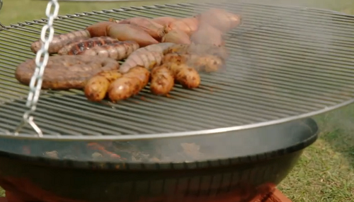 Jimmy Dehorty schwenker grill for cooking BBQ South African sausages on Jamie and Jimmy's  ...