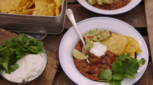 Jimmy Doherty and Charlotte's campfire veggie chilli on Jamie and Jimmy's Friday Nig ...