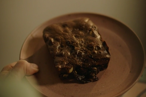 Nigella Lawson emergency brownies with chocolate chips recipe on Saturday Kitchen