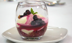 Carise's lemon and ginger cheesecake with blueberry compote on Masterchef 2019