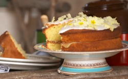 Phil Vickery and Alison's lemon drizzle cake on This Morning