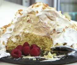 Nadia Sawalha baked Alaska dessert on on John and Lisa's Weekend Kitchen