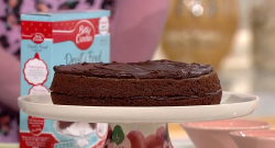 Alice Beer's egg free chocolate cake on This Morning