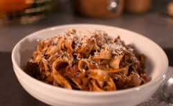 Rosie's beautiful vegetarian bolognese by Joe Wicks on John and Lisa's Weekend Kitchen
