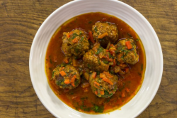 James Martin Spanish meatballs with pimento and Italian tomatoes on James Martin's Saturda ...