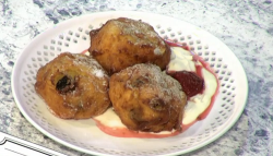 Alissa Timoshkina  Russian syrniki doughnuts on Sunday Brunch