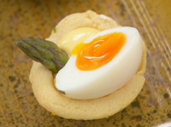 Neil Ruddock's asparagus tartlets with quail eggs canapes on Celebrity Masterchef 2019
