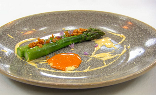 Tom's asparagus with garlic aioli and smoked egg yolk puree starter on Masterchef The Prof ...