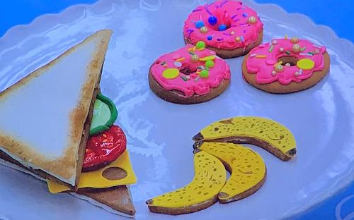 Bakr's lunchbox biscuits on Junior Bake Off