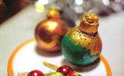 Cynthia's eatable Christmas baubles on Kirstie's Handmade Christmas