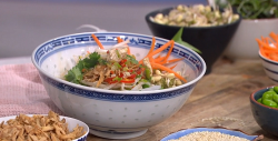 John Torode's chilli noodle broth with seaweed and fresh vegetables on This Morning