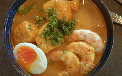 Mandy Yin Malaysian prawn laksa (curry noodle soup) on Nadia's Family Feasts