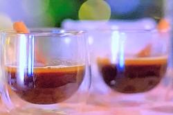 Olly Smith's hot buttered rum with cinnamon sticks using demerara rum on James Martin Chri ...