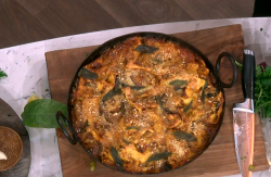 Jamie Oliver's aubergine and sage lasagne for a festive feast on This Morning