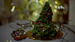 Cynthia Stroud's gingerbread Christmas tree on Kirstie's Handmade Christmas