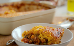 Tom Kerridge low calorie cottage pie with sweet potato and frozen peas on Lose Weight and Get Fi ...