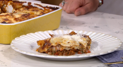 Phil Vickery's healthier lasagne with lentils and cheese added after baking on This Morning