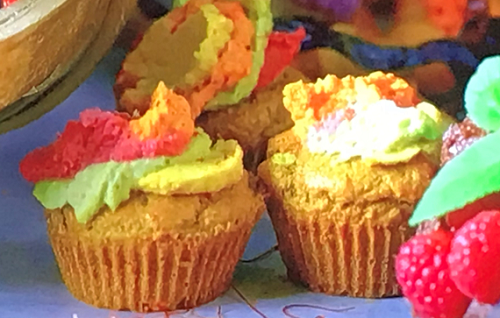 Samira's rainbow cupcakes on Crazy Delicious
