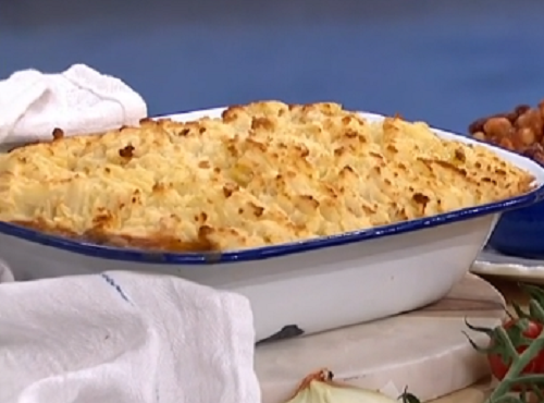 Phil Vickery's cottage pie with mushrooms, frozen vegetables and butter beans on This Morning