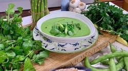 John Torode immune-boosting soup on This Morning